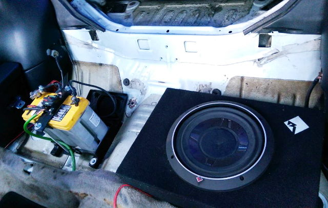 BATTERY AND SUBWOOFER