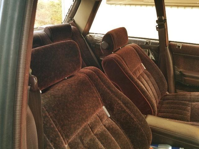 INTERIOR SEATS GS121 CROWN