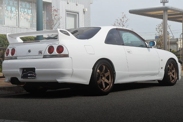 REAR EXTERIOR FOR R33 SKYLINE GTR VSPEC