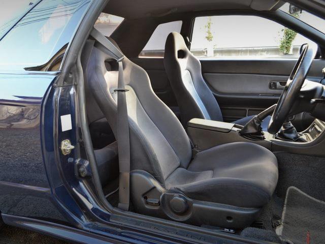 R32GTR SEATS