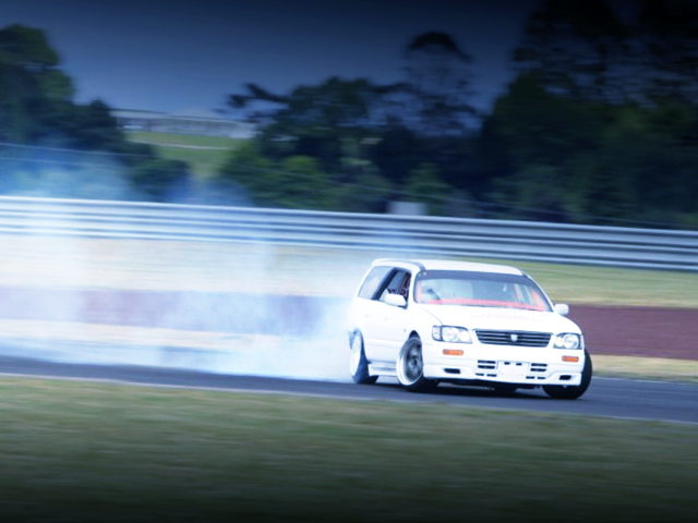 DRIFTING WC34 NISSAN STAGEA