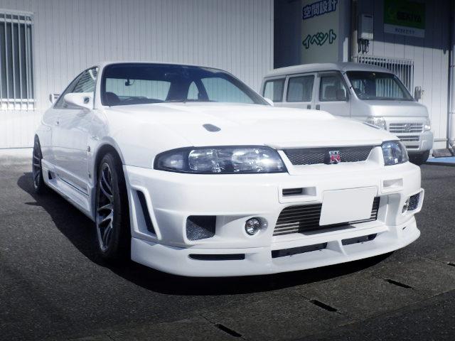 FRONT EXTERIOR R33 GT-R V-SPEC WHITE
