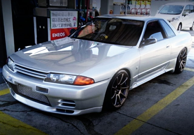 FRONT EXTERIOR R32 GT-R SILVER