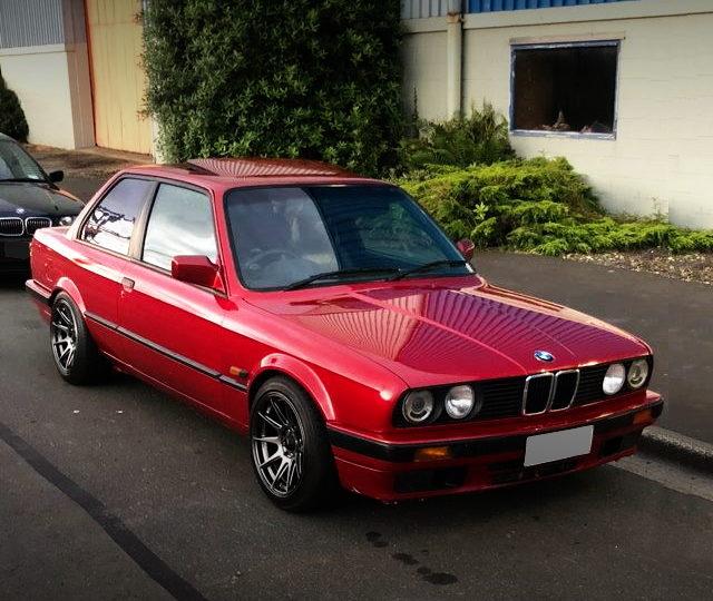 FRONT EXTERIOR E30 BMW 320i