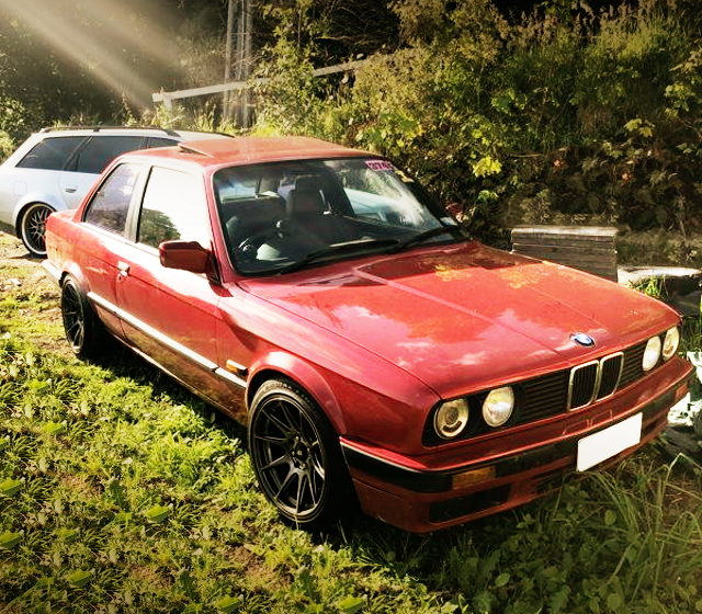 FRONT FACE E30 BMW 320i RED