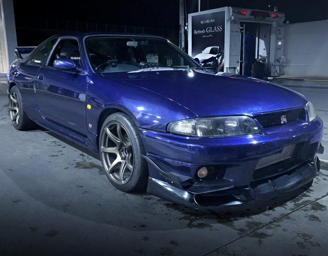 FRONT EXTERIOR R33 GT-R BLUE