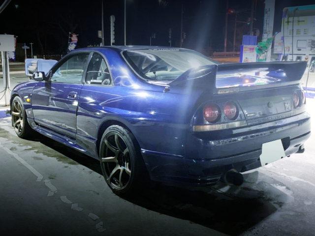 REAR EXTERIOR R33 SKYLINE GT-R BLUE