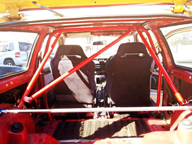 ROLL CAGE INTO WONDER CIVIC INTERIOR