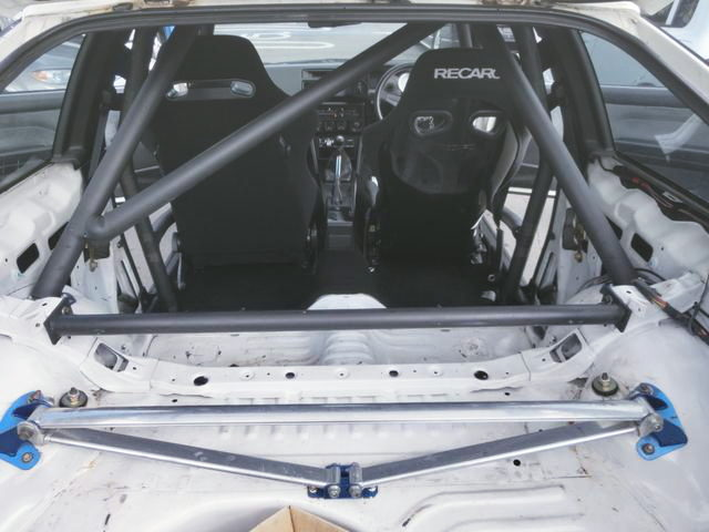ROLL CAGE INTO AE86 TRUENO INTERIOR