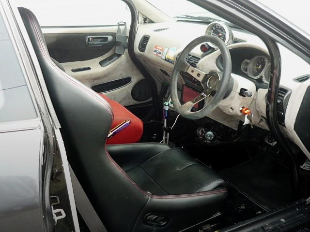 INTERIOR STEERING AND FULL BUCKET AEAT
