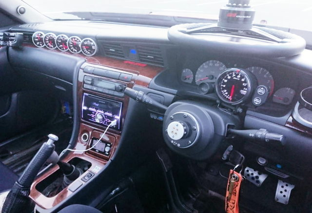 INTERIOR DASHBOARD C35 LAUREL