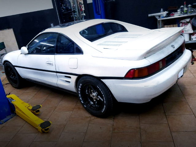 REAR EXTERIOR SW20 MR2 WHITE
