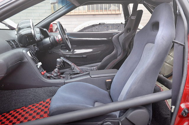 ROLL CAGE AND DRIVER BUCKET SEAT