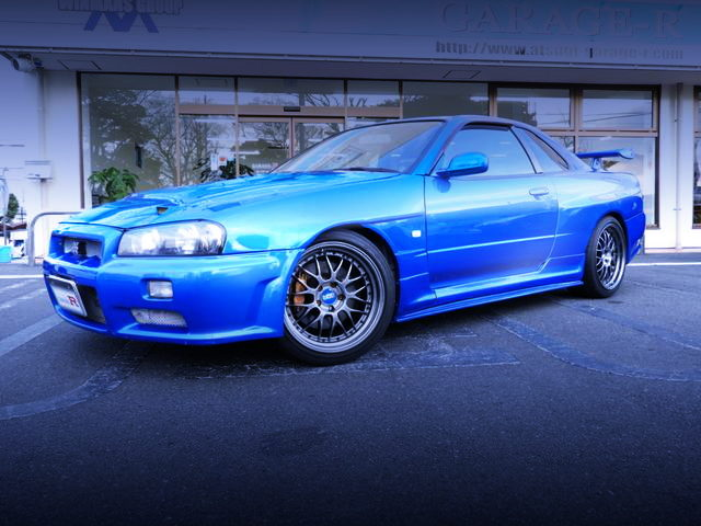 FRONT EXTERIOR R34 SKYLINE 2-DOOR BLUE