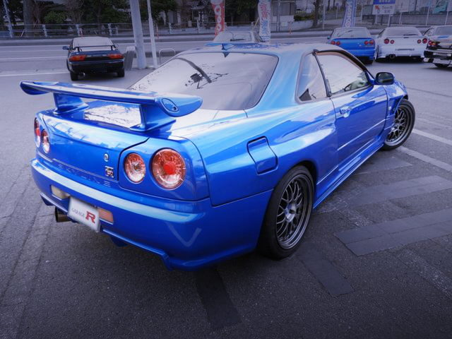 REAR EXTERIOR R34 SKYLINE 2-DOOR GTR STYLE