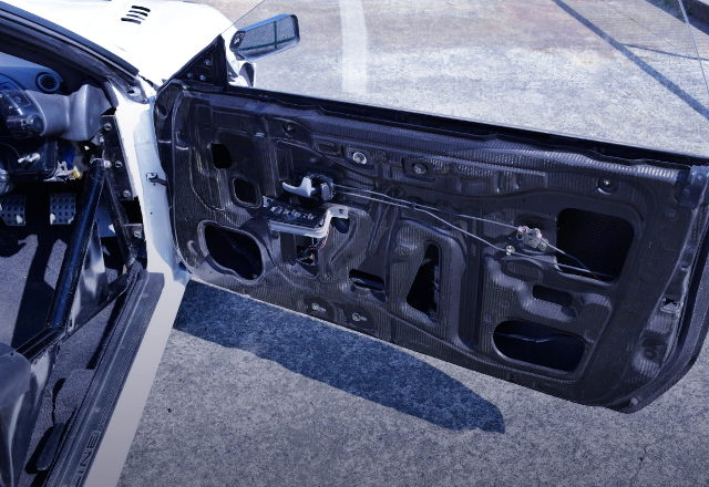CARBON DOOR FOR R32GTR