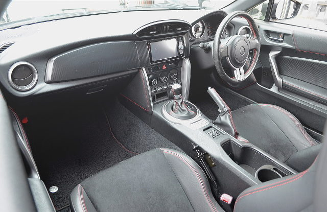 INTERIOR DASHBOARD OF TOYOTA86 GT LIMITED