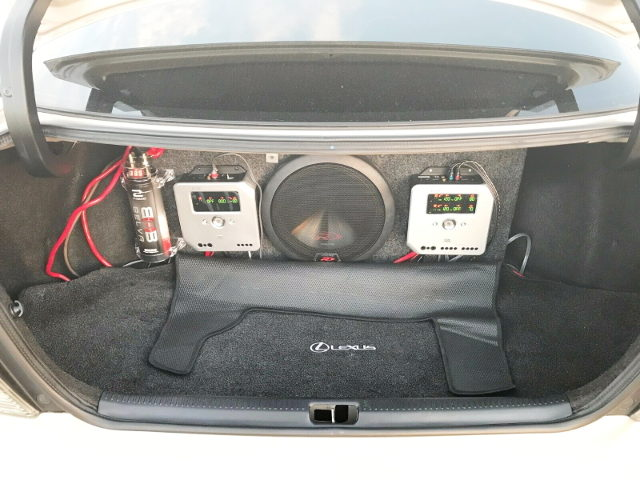 SUB WOOFER AND AMP FOR TRUNK