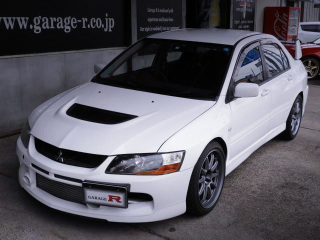 FRONT EXTERIOR EVO9 GT WHITE