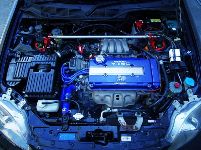 B18C VTEC ENGINE WITH BLUE VALVE COVER