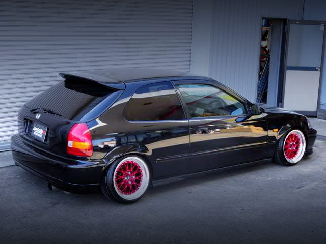 REAR EXTERIOR EK3 CIVIC HATCH