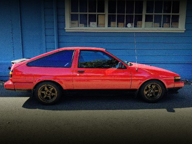 RIGHT SIDE EXTERIOR AE86 COROLLA GT-S