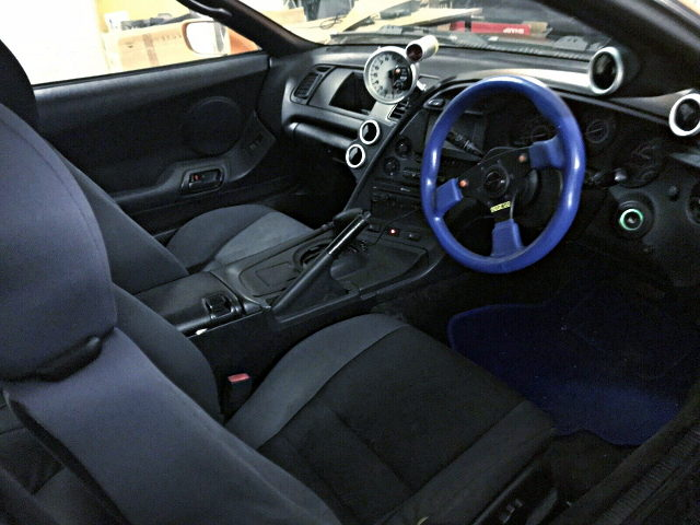 INTERIOR AT JZA80 SUPRA