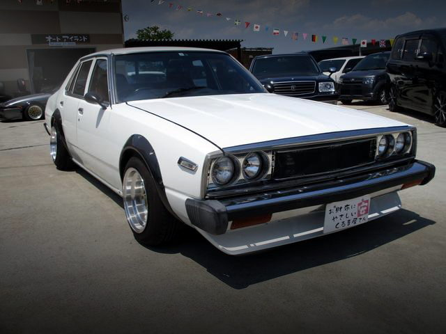 FRONT EXTERIOR 5th Gen SKYLINE JAPAN 4-DOOR