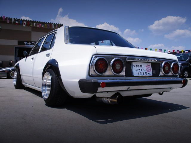 REAR EXTERIOR 5th Gen SKYLINE JAPAN 4-DOOR