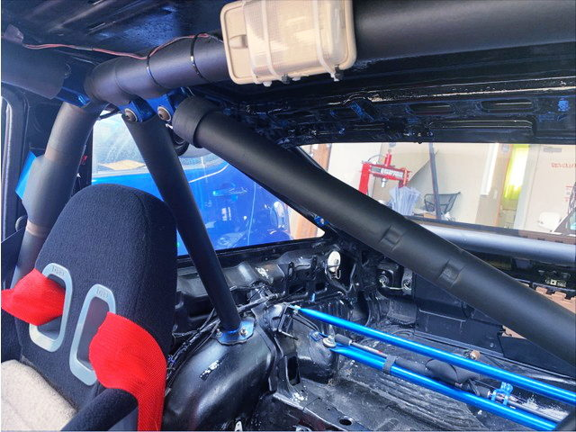 ROLL CAGE FOR AE86 INTERIOR