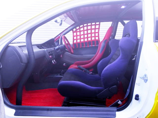 ROLL BAR AND BUCKET SEATS