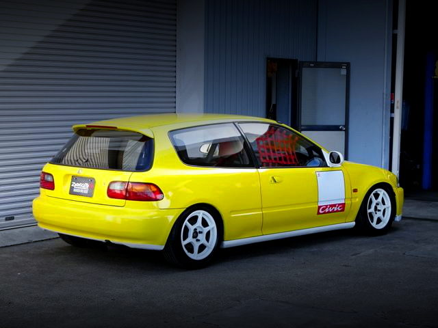 REAR EXTERIOR EG6 CIVIC SiR2 YELLOW AND HITE