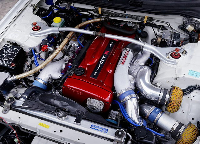 R34 GT-R RB26 TWIN TURBO ENGINE
