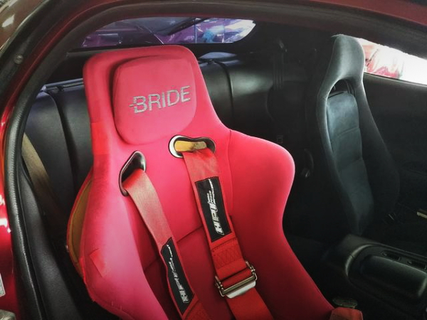 DRIVER BRIDE BUCKET SEAT
