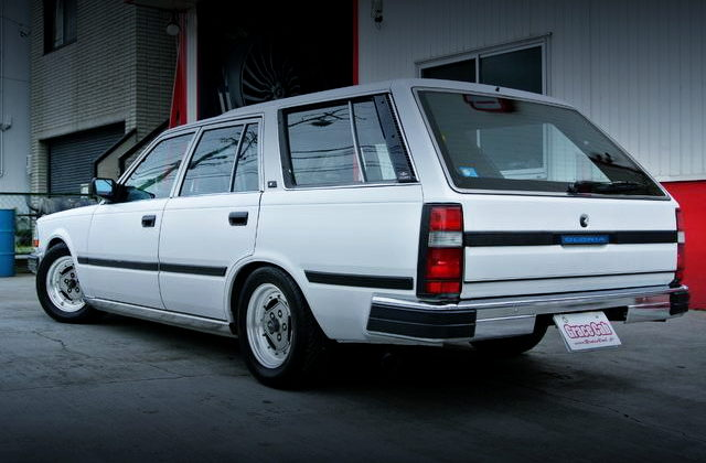 REAR EXTERIOR Y30 GLORIA WAGON