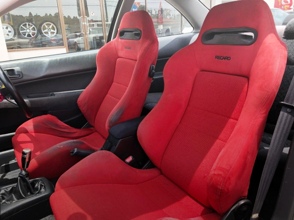 INTERIOR RECARO SEATS