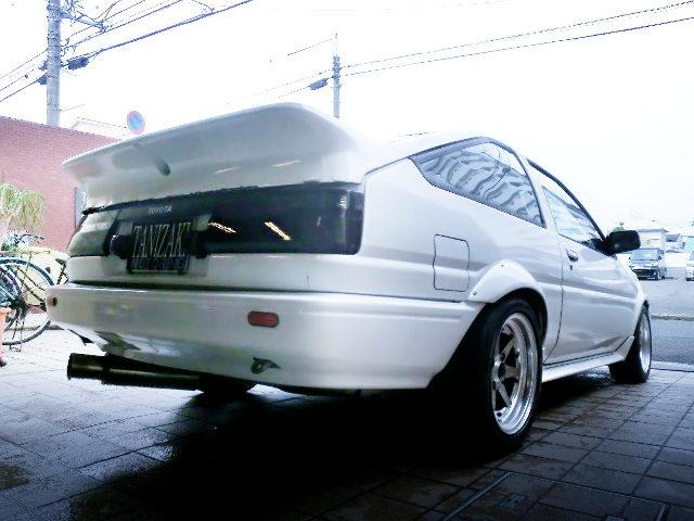 REAR EXTERIOR AE86 TRUENO GTV