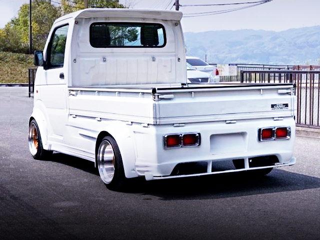 REAR EXTERIOR DA63T SUZUKI CARRY WHITE