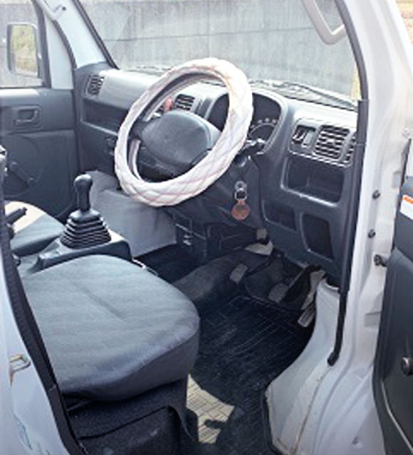 DA63T CARRY TRUCK INTERIOR