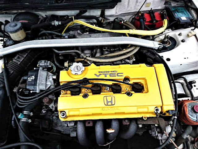 YELLOW VALVE COVER TO B18C VTEC ENGINE