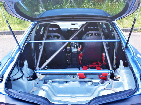 INTERIOR ROLLBAR AND BUCKET SEATS