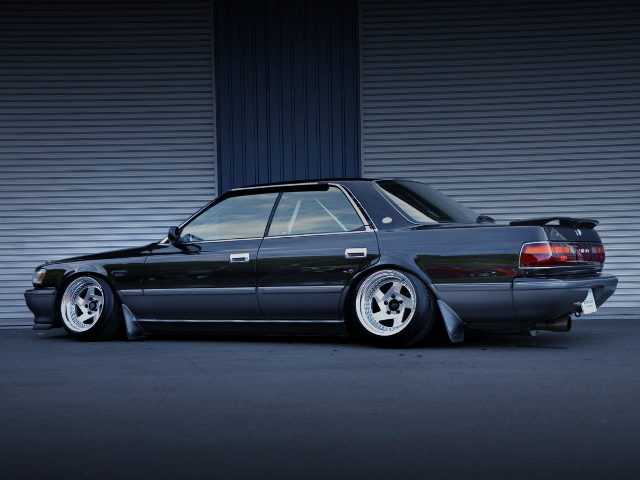 REAR EXTERIOR JZX81 CHASER BLACK SILVER TWO TONE