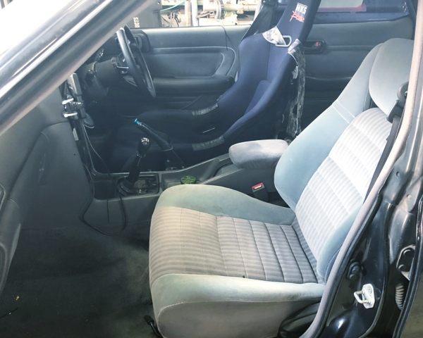 FULL BUCKET SEAT FOR DRIVER POSITION