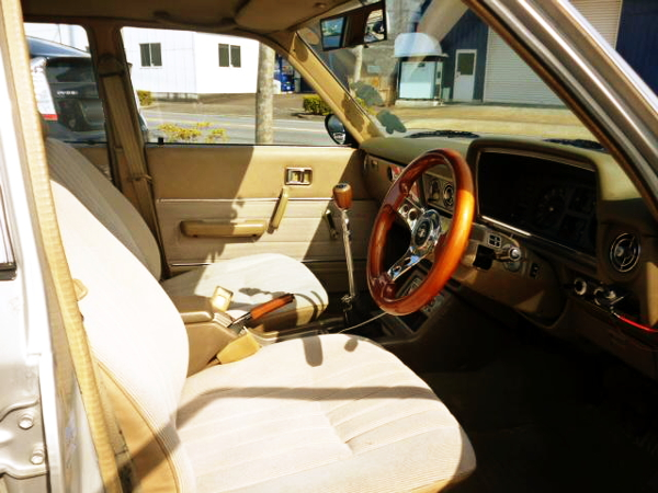 INTERIOR STEERING AND SEATS