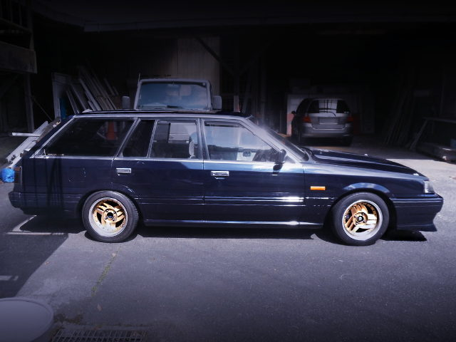 RIGHT SIDE EXTERIOR OF R31 SKYLINE WAGON