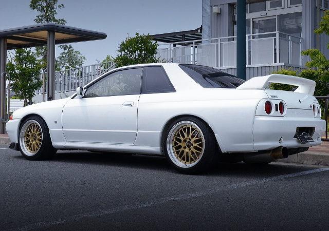 REAR EXTERIOR R32 GT-R V-SPEC