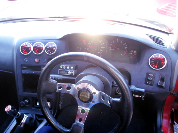 INTERIOR STEERING AND DASHBOARD