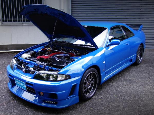 HOOD OPEN R33 GT-R V-SPEC BLUE