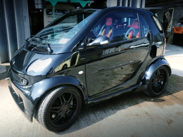 SIDE EXTERIOR SMART FOR TWO BRABUS