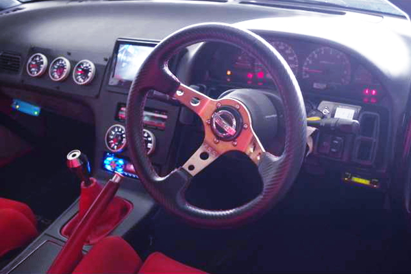 INTERIOR DASHBOARD AND STTERING